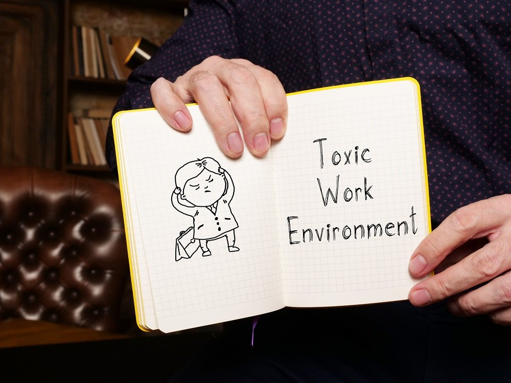 toxic work environment written in note